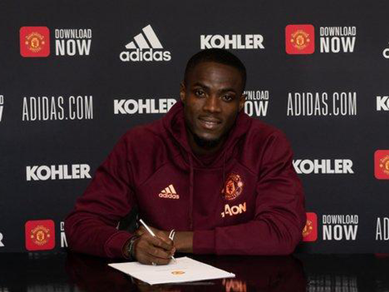 Manchester United defender Eric Bailly has signed a new deal to commit him to the club until 2024