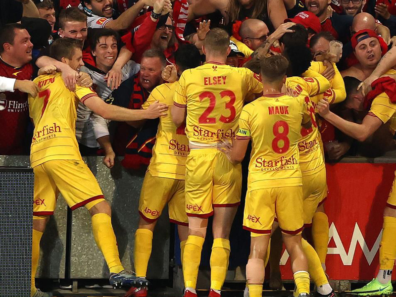 Adelaide United defeat Victory to close in on finals dream