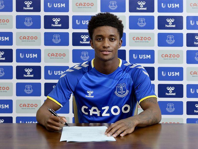 Demarai Gray Everton sign winger from Bayer Leverkusen for £1.7m