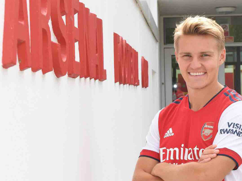 Arsenal sign Martin Odegaard from Real Madrid for about £30m as Aaron Ramsdale completes medical