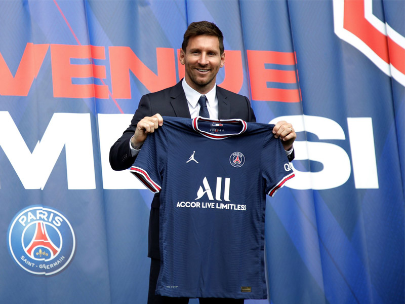 Lionel Messi signs two-year Paris St-Germain deal after leaving Barcelona