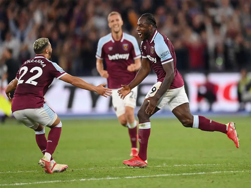Michail Antonio became West Ham's outright top scorer in the Premier League in a dominant victory for the Hammers over 10-man Leicester City at London Stadium
