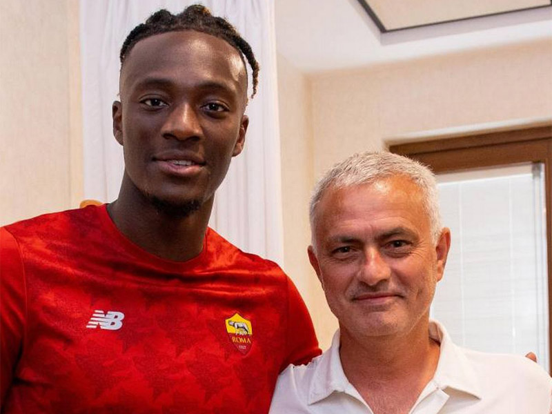 Tammy Abraham Roma sign striker from Chelsea for £34m on five-year deal