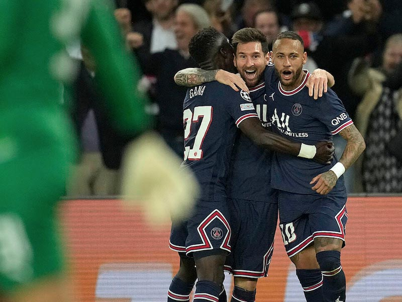 Lionel Messi scored his first Paris St-Germain goal